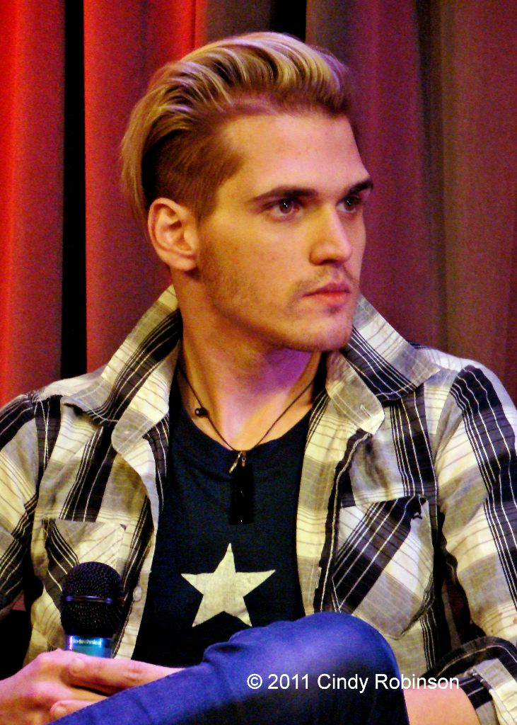 Mikey Way 2011 Gerard way life on the scene